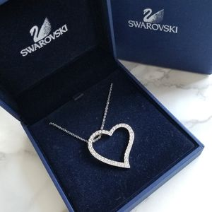 ⬇️ Swarovski Crystal Heart Pendant Necklace